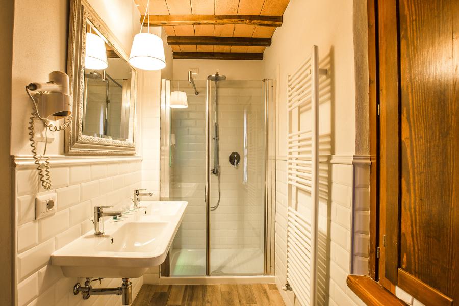 camera 10 bagno