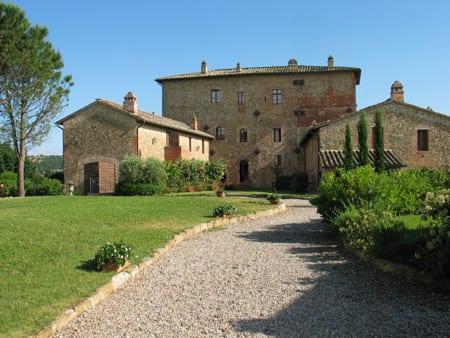 Castello-di-Monticelli